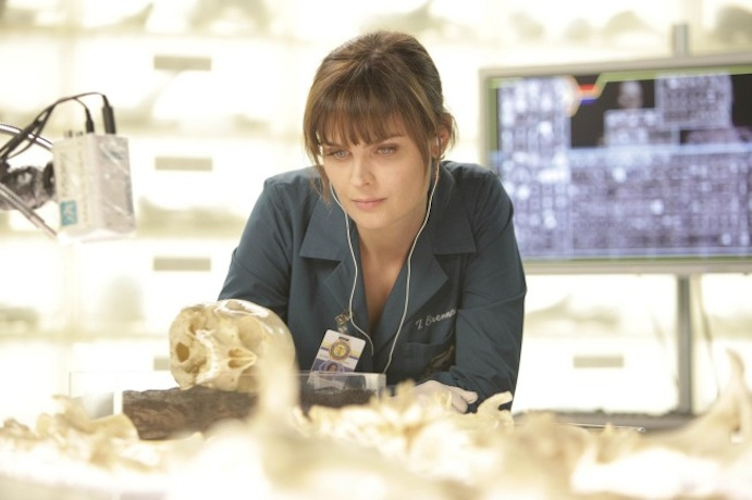 "Recap of Bones, Season 6, Episode 9: ""The Doctor in the Photo"""