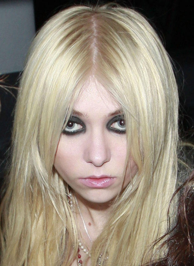 Taylor Momsen Says She's Not Close With Gossip Girl Cast