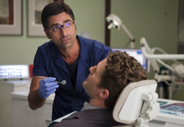 First Clip of John Stamos on 'Glee'