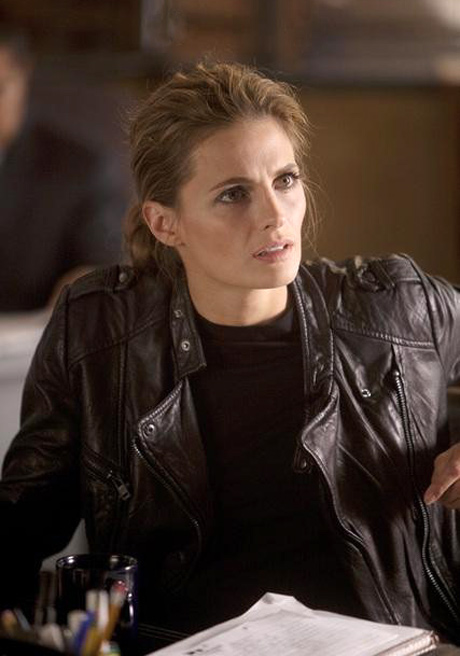 Will Detective Esposito Help Beckett Overcome PTSD? Castle's Stana Katic Dishes!