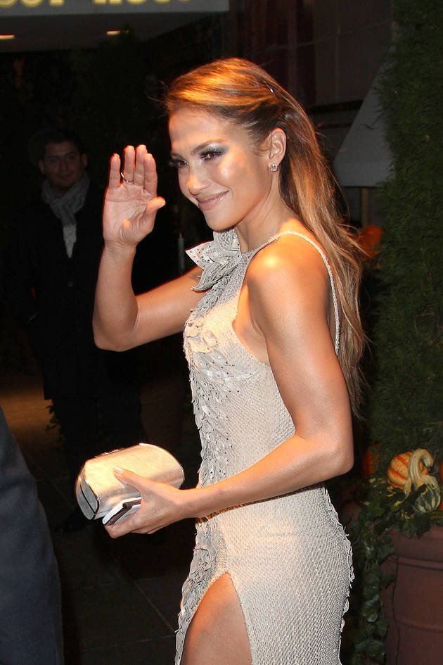 Jennifer Lopez Almost Breaks Down at Glamour's Women of the Year Awards