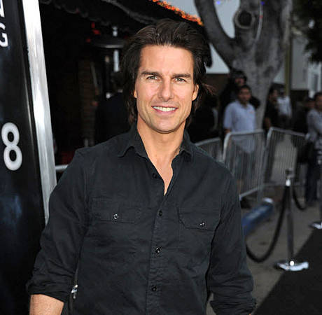 Were People Paid to Cheer Tom Cruise in India?