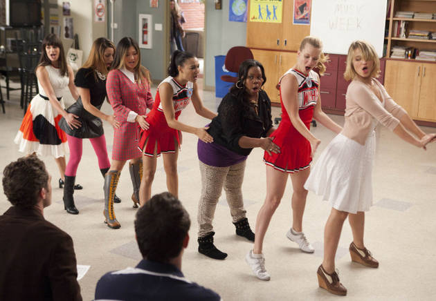 """Glee Season 3, Episode 7: """"I Kissed a Girl"""" Best and Worst Song Performances  — Do You Agree?"""