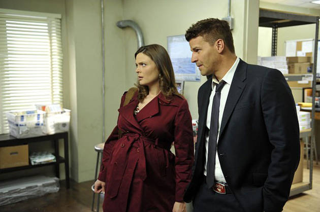 """Bones Season 7, Episode 4: """"The Male in the Mail"""" — Top 3 Moments"""