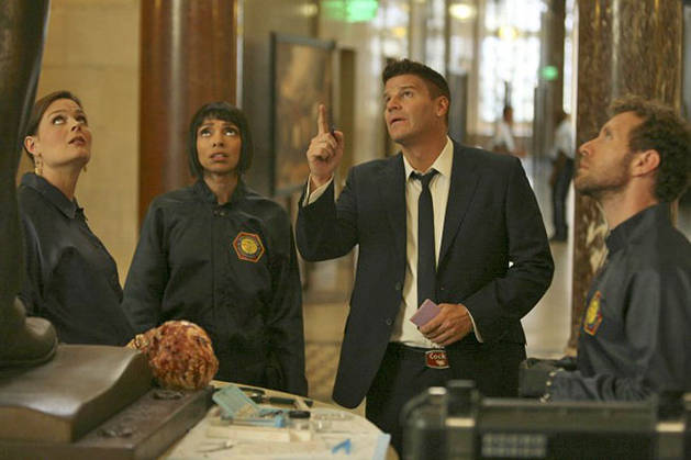 "Spoiler and Sneak Peek Roundup! What Happens on Bones Season 7, Episode 6: ""The Crack in the Code""?"