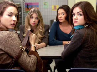By the End of PLL Season 1, The Little Liars Will Be Closer Than Ever