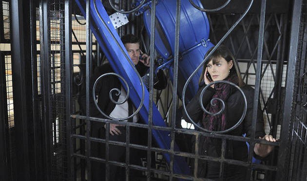 """Top 3 Grossest Moments From Bones Season 6, Episode 16: """"The Blackout in the Blizzard"""""""