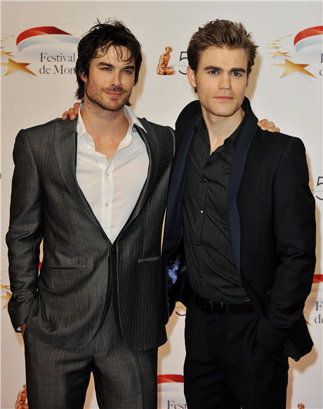 Vampire Diaries Tweet Treats From the Set: Salvatore Brotherly Love!