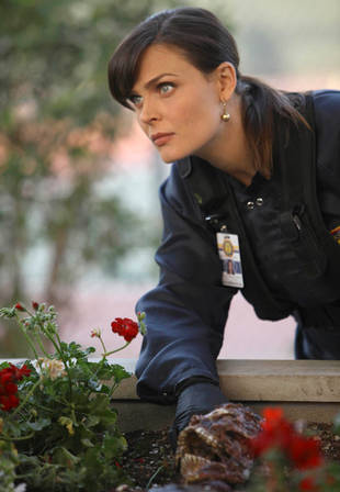 "Bones Sneak Peeks! New Promos for ""The Pinocchio in the Planter"""