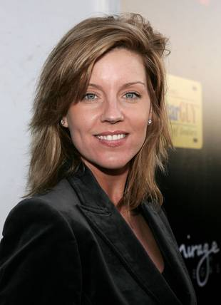 Andrea Parker to Play Alison's Mom on Pretty Little Liars Season 2