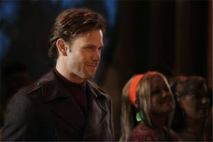 Spoilers! Alaric Will Have Some Vampire-hunting Competition in Season 3