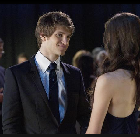 """""""A"""" Buys Cute Boots! 5 OMG Moments From Pretty Little Liars Season 2, Episode 6: """"Never Letting Go"""""""