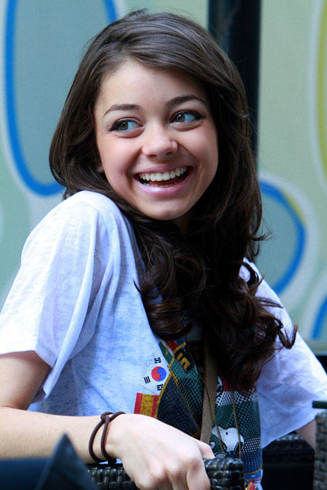 How Old Is Sarah Hyland?