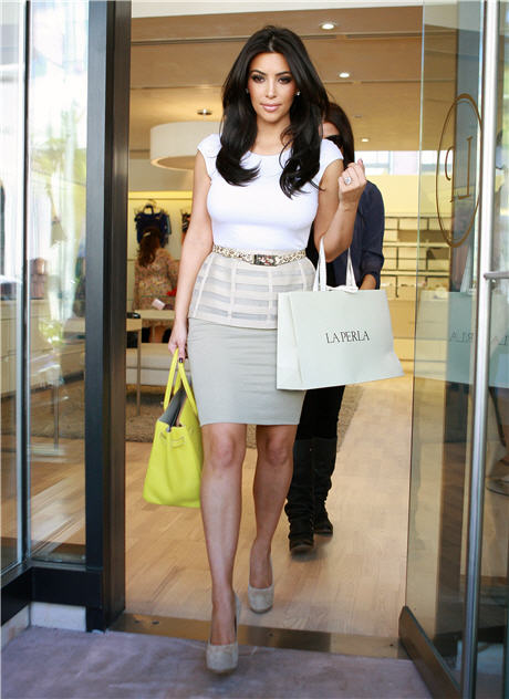 Get the Look: Kim Kardashian Packs a Polished Punch