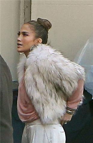 """PETA: Jennifer Lopez Is """"Arrogant"""" for Wearing Fur Coat"""