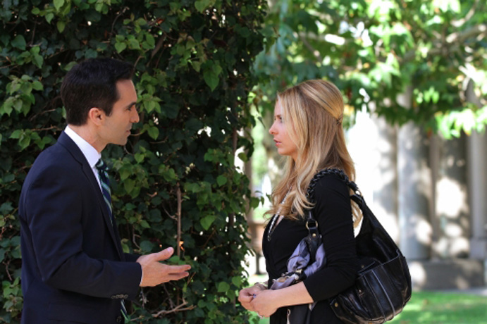 Lost vs Ringer: Sarah Michelle Gellar and Nestor Carbonell Compare the Two Shows!