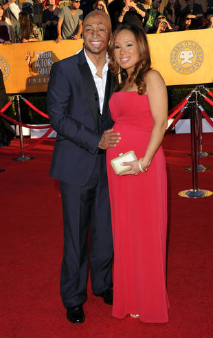 DWTS Champ J.R. Martinez Shows Off His Girlfriend's Baby Bump at the 2012 SAG Awards