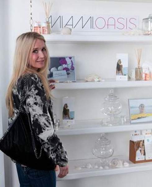 Kim Richards Makes First Public Appearance Since Rehab at Golden Globes Suite — Exclusive