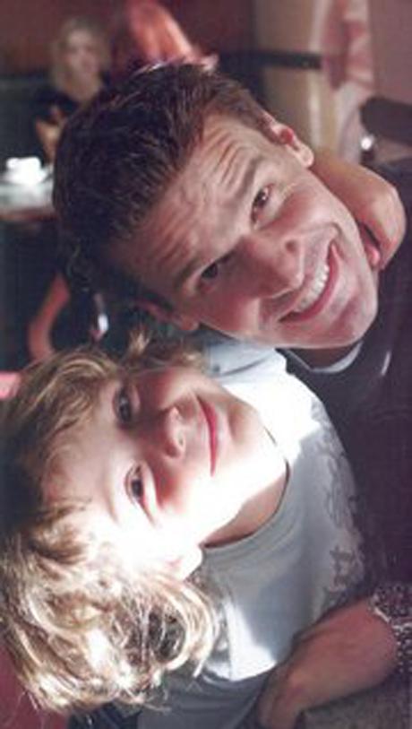 Bones Season 7 Spoilers! Fatherhood Troubles Ahead for Booth?