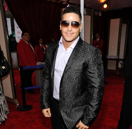 How Ronnie's Stylist Got the Jersey Shore Star in McQueen for the PCAs – Exclusive