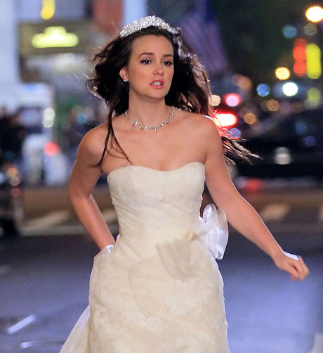Gossip Girl Wedding: Spoiler Photo! Who is Blair Walking Down the Aisle With?