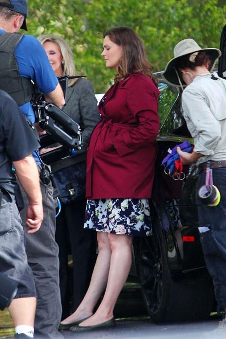 Emily Deschanel's Baby Hits the Bones Set! Tamara Taylor Tells All – Exclusive