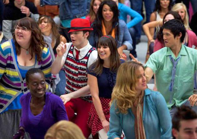 Glee Michael Jackson Spoilers: Multiple Kisses and Potential Heartbreak
