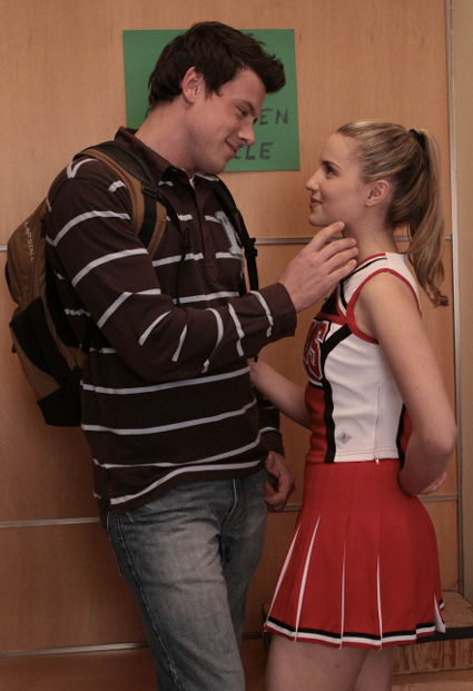 Glee Season 4 Spoilers: How Soon Will Finn Start Dating Someone New?