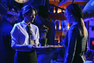 "Pretty Little Liars Spoiler: [SPOILER] Ship Gets ""Hot"" in Season 3, Episode 20"