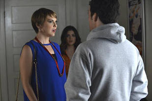 Pretty Little Liars Spoiler: Lucy Hale Hints That Ezra's Son Might Be [SPOILER]
