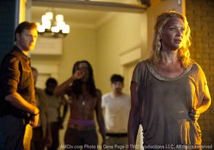 The Walking Dead Season 3 Spoilers: What's With The Governor's Zombie Heads? Are They Alive?