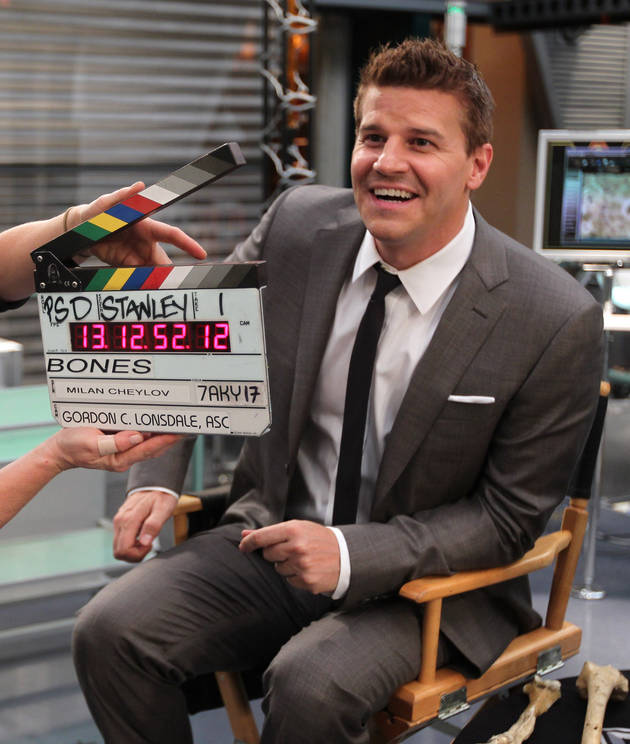David Boreanaz Hangs Out With Bart Simpson! (Sorta)