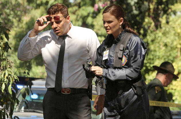 """5 Biggest WTF Moments From Bones Season 8, Episode 4: """"The Tiger in the Tale"""""""