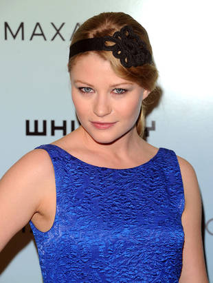 OUAT's Emilie de Ravin Lands Role in New Movie Alongside Which Hemsworth Brother?
