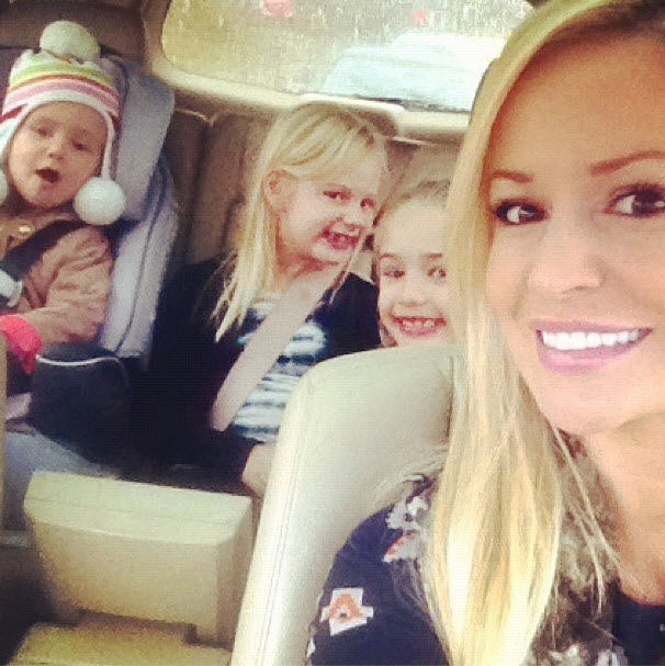 "Emily Maynard and Daughter Ricki Reveal ""Wild"" Post-Thanksgiving Plans (PHOTO)"
