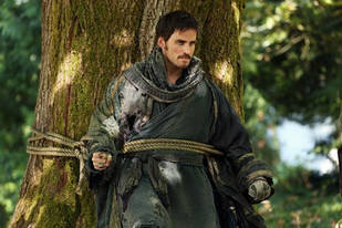 """Once Upon a Time Season 2: Emma and Captain Hook are """"Kindred Spirits"""""""