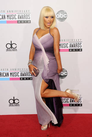 Christina Aguilera's 2012 AMA Purple Red Carpet Look: Hot or Not? (PHOTO)