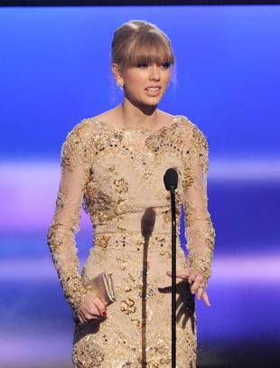 AMAs 2012: Taylor Swift Wins Favorite Country Artist, Surprising Zero People