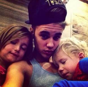 Justin Bieber Tweets a Shirtless Workout Pic — And Adorable Pic With His Siblings! (PHOTO)