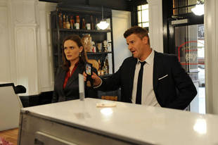 """Bones Recap of Season 8, Episode 5 """"Method In the Madness"""" — Hipster Prostitutes and Severed Feet"""