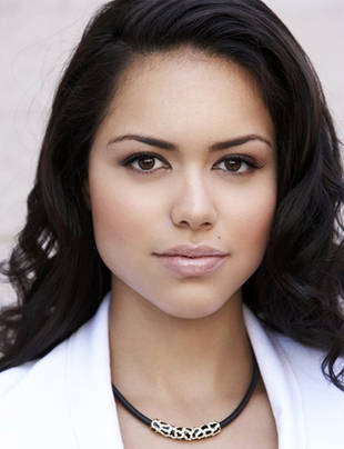 How Old Is Alyssa Diaz From The Vampire Diaries?