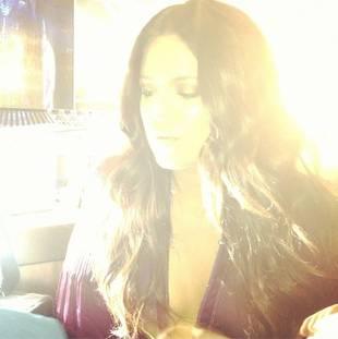 Khloe Kardashian Shines Bright Like a Diamond in New Twitter Pic (PHOTO)