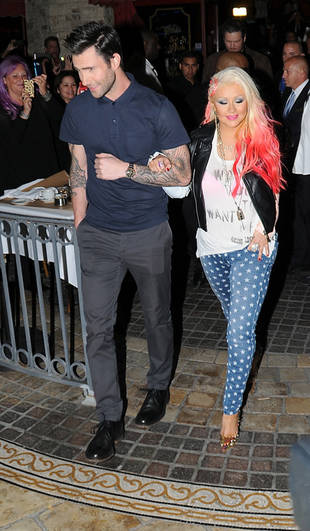 Christina Aguilera Spotted on Adam Levine's Arm After The Voice Season 3 Live Shows! (PHOTOS)