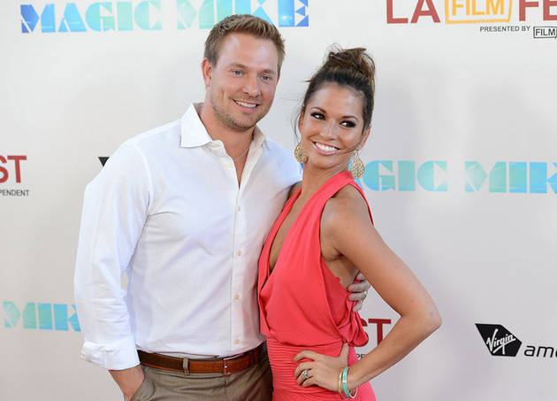 See Makeup-Free Melissa Rycroft With Husband Ty and Baby Ava! (PHOTO)