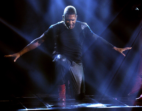"""Usher's 2012 AMA Performance: """"Numb,"""" """"Climax,"""" """"Can't Stop Won't Stop"""" Medley: Love It or Leave It? (VIDEO)"""