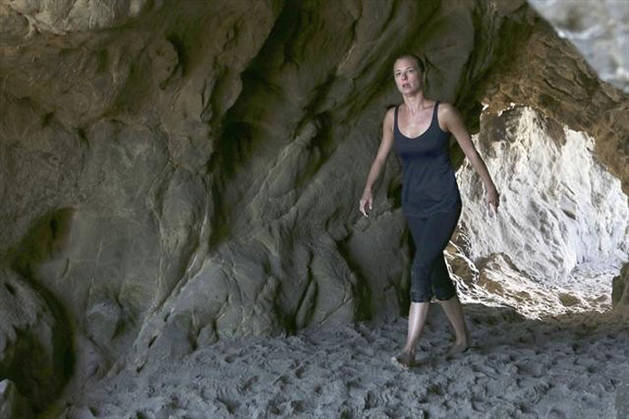 Revenge Season 2 Spoiler: A New Character Takes Emily Thorne to the West Coast