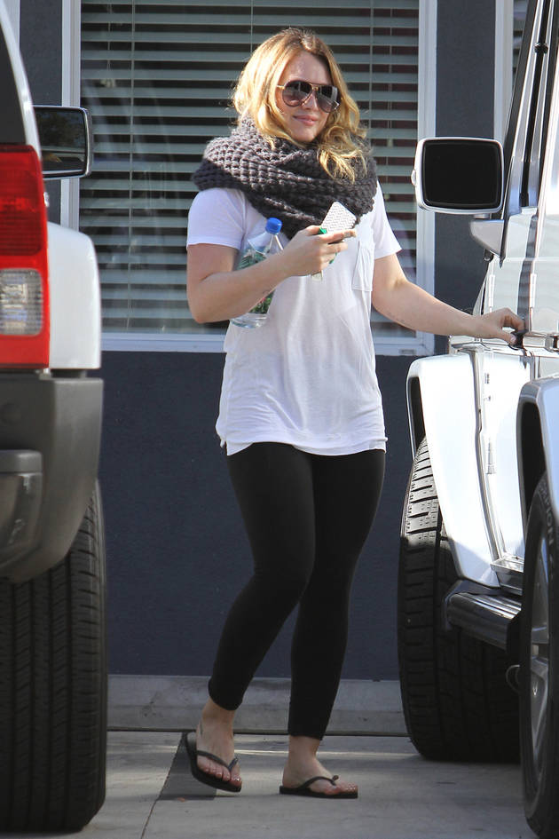 Hilary Duff's Post-Baby Body: See the Spandexed Star's Slim Physique! (PHOTO)