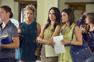 Pretty Little Liars Spoiler: A New Love Interest for [SPOILER]