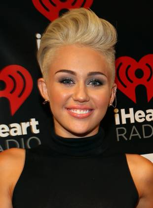 "Here's a Photo of a Much Younger, Buck-Toothed Little ""Smiley"" (aka Miley) Cyrus"