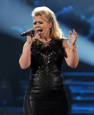 Kelly Clarkson to Perform on The Voice Season 3 Live Finale, Dec. 18, 2012